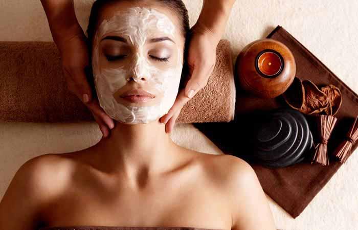 Massage mặt thúc đẩy lưu thông máu